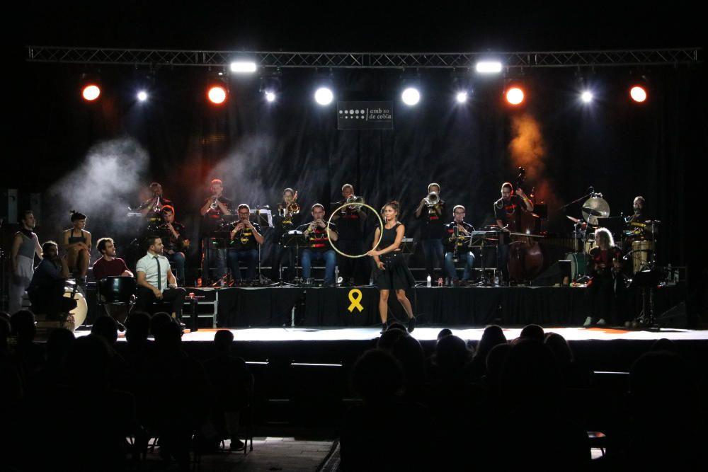 El festival Amb So de Cobla de Palamós s'estrena fusionant música i circ