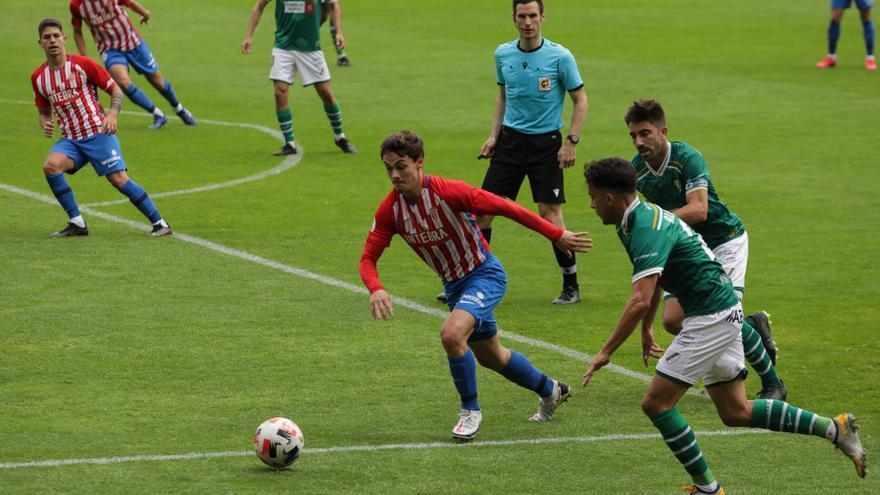 El Sporting B certifica su descenso a Tercera División