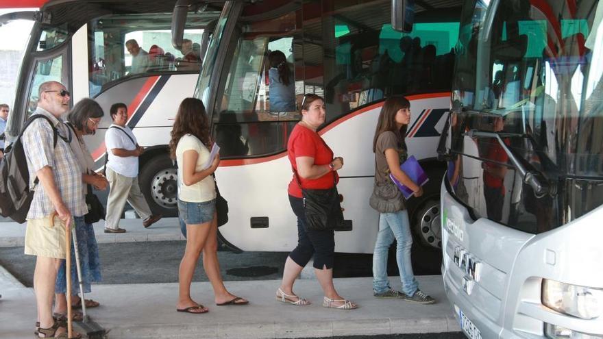 El PSOE alerta de que el Ayuntamiento podría perder la estación de autobuses