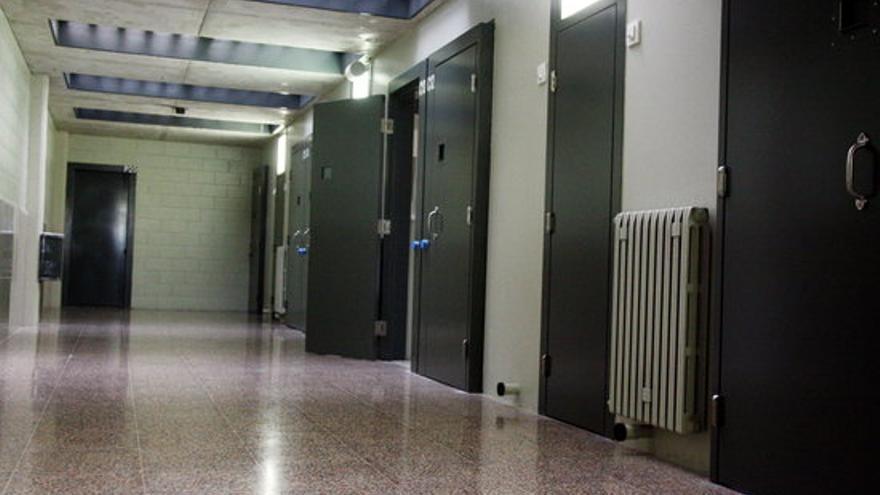 Agredeixen prop de 90 funcionaris de la presó de Figueres en quatre anys