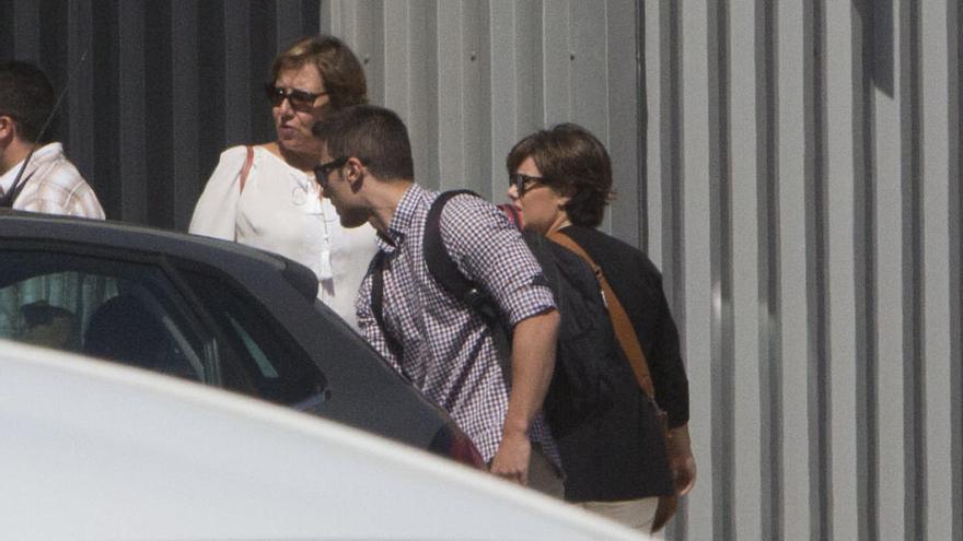 Rajoy come en Alicante con sus principales colaboradores en el PP