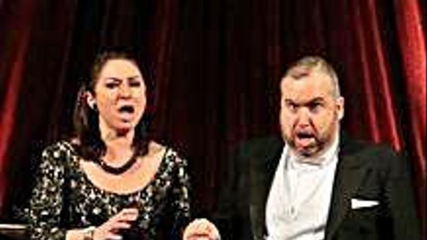 Montserrat Martí, Beatriz Gimeno y Luis Santana actúan en el Concierto de las velas