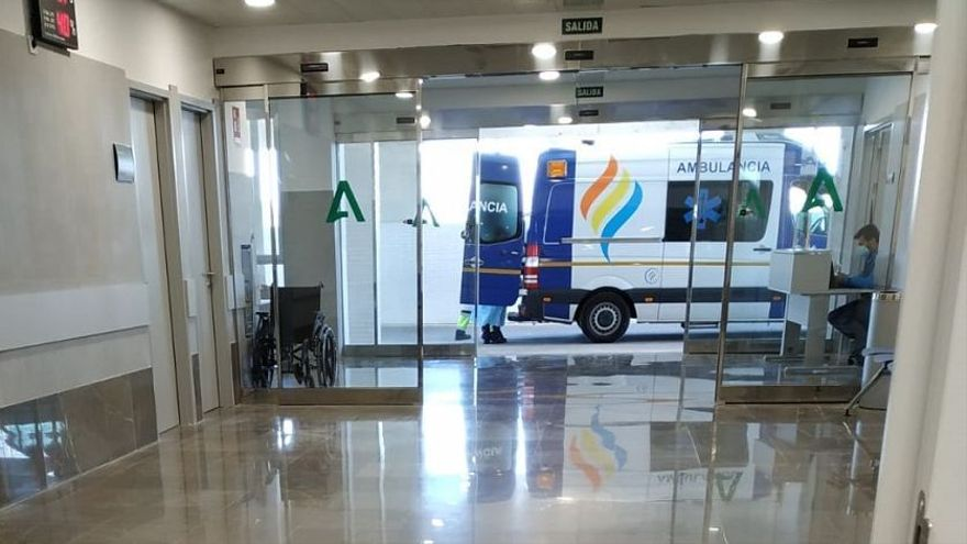 El Hospital Costa del Sol empieza a trasladar pacientes al Hospital de Estepona, que abre sólo para enfermos Covid