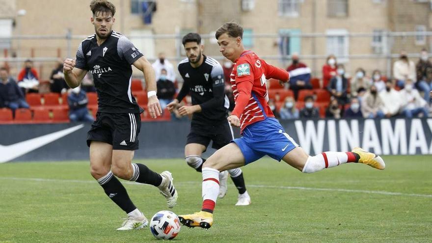 El Marbella FC asalta el feudo del filial del Granada