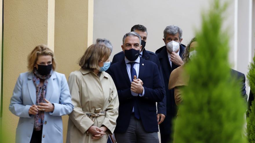 """Andalucía ve un """"error 17 semanas santas"""" y pide al Gobierno que """"coordine"""""""