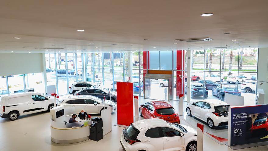 Toyota Torrevieja pone a la venta 30 unidades a precios únicos con motivo de su  reapertura