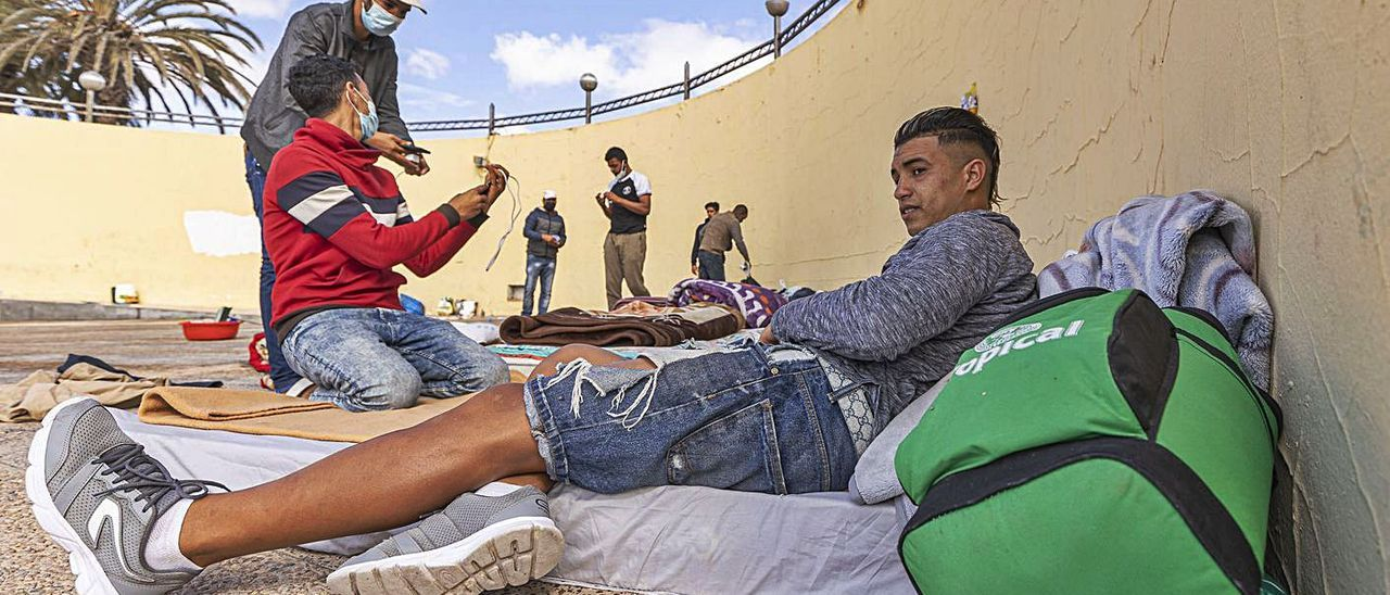 Lloret exige que los contactos estrechos de los migrantes no salgan de El Matorral | FUSELLI