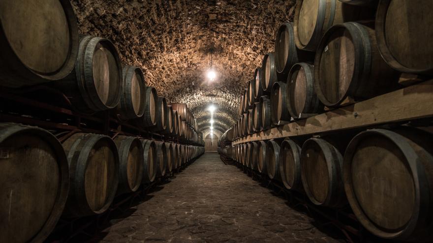 Investigan si bodegas de Valdepeñas estafaron a sus clientes vendiendo vinos menos elaborados