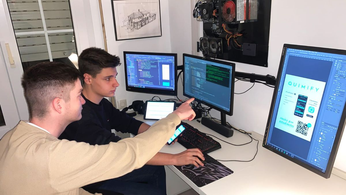 Pablo y Matthew desarrollando Quimify+