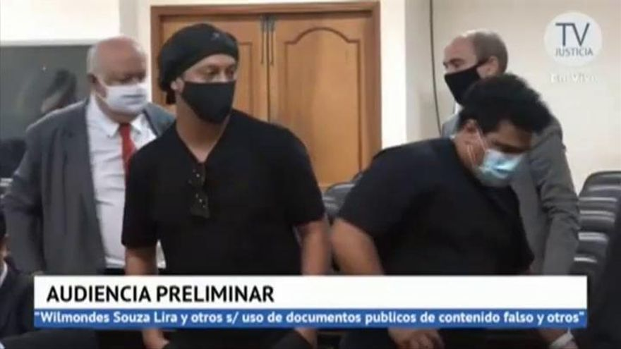 Ronaldinho, en libertad tras seis meses retenido