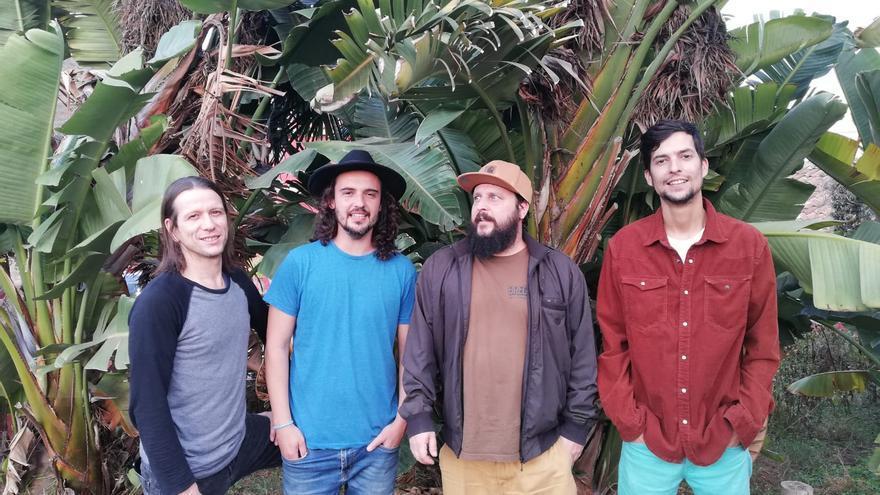 La banda Modo Rakune debuta en The Paper Club