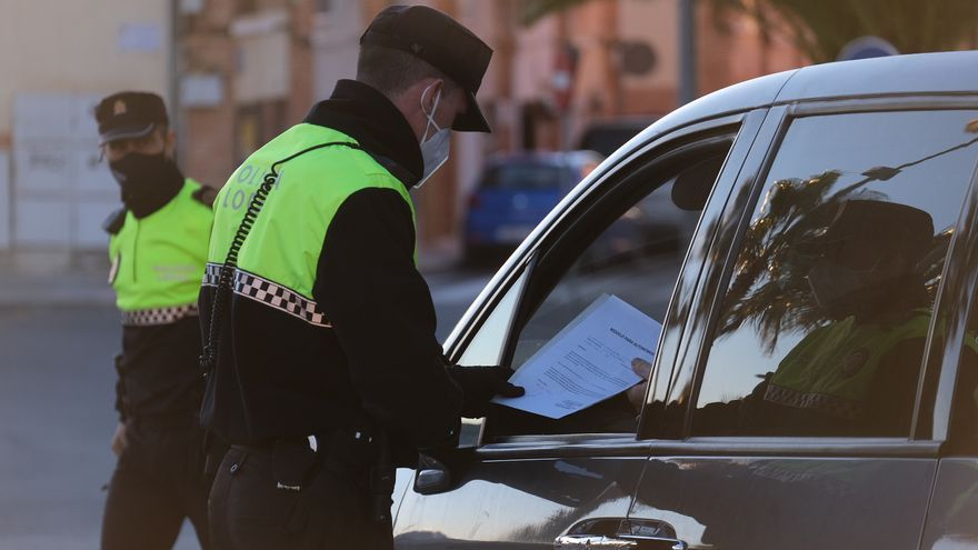 46 actas de sanción de la Policía Local de Elda y Petrer en el tercer fin de semana de cierre perimetral