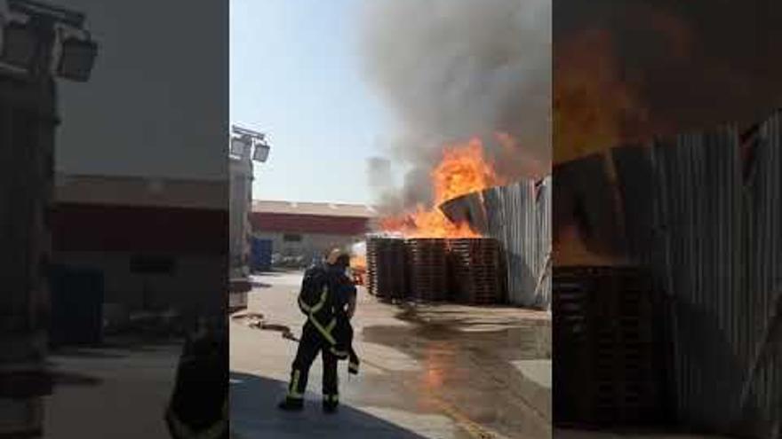 Extinguido el incendio registrado en el polígono Guadalhorce