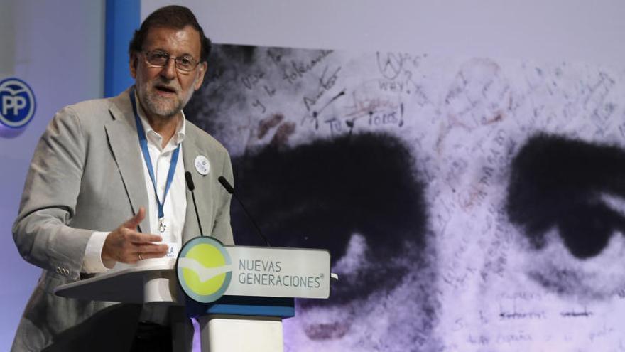 """Rajoy insta a ETA a que """"pida perdón y desaparezca"""""""