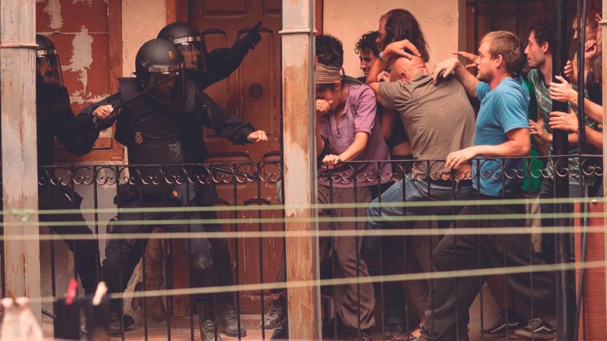 Un momento de  'Antidisturbios', la serie  emitida en Movistar+ y  dirigida por Sorogoyen.