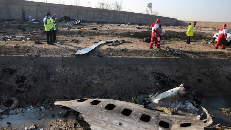 Al menos 176 muertos tras estrellarse un avión cerca de Teherán