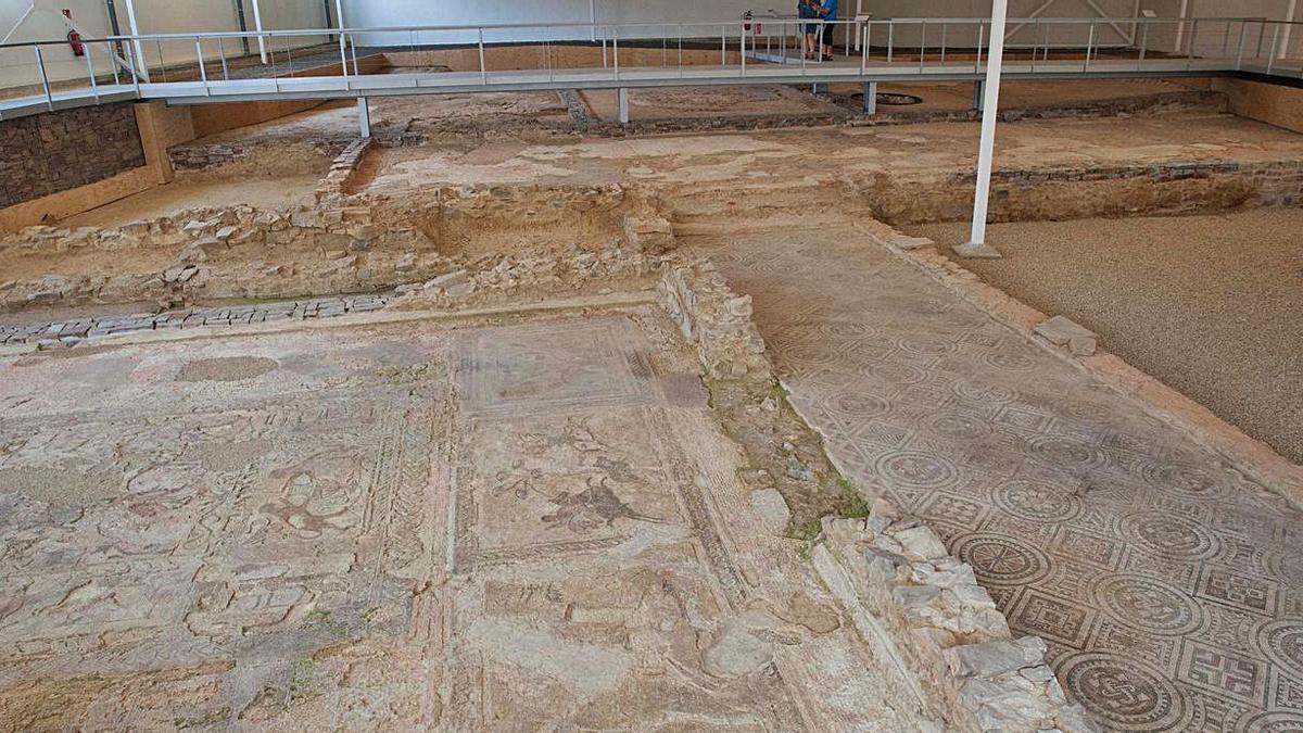 Restos arqueológicos que se pueden observar en la villa romana de Orpheus.   Javier de la Fuente