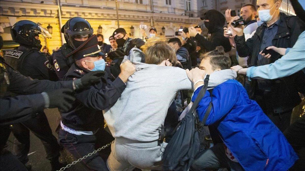 Un centenar de detenidos en Moscú en una protesta contra Putin