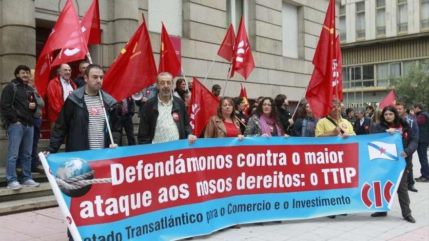 Concentración contra el Tratado de Libre Comercio