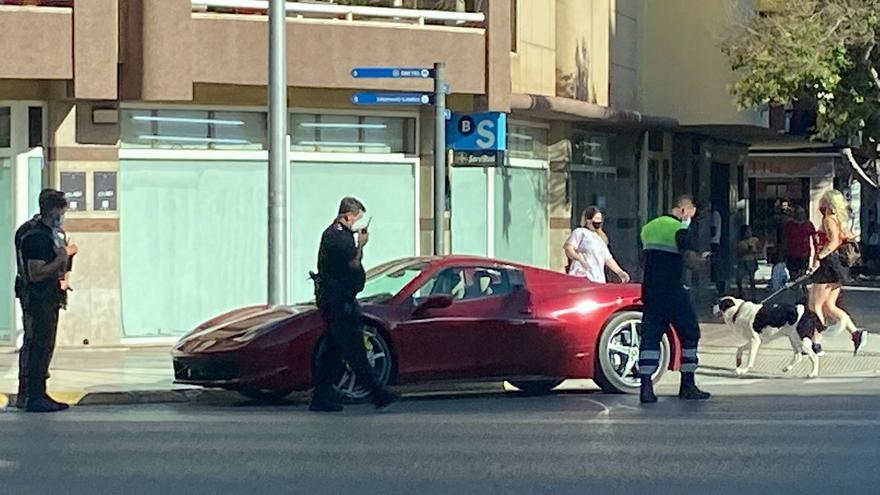 El conductor del Ferrari multado en Ibiza es un famoso jugador de fútbol