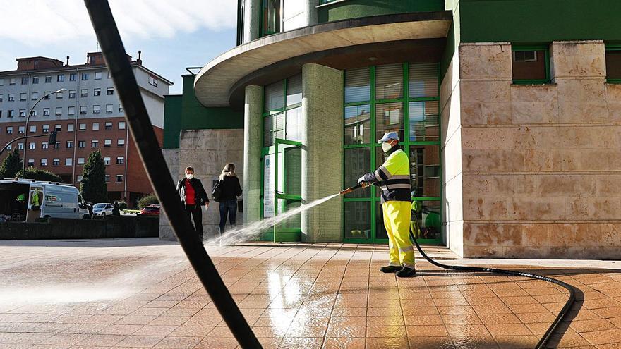 El 80% de los centros de salud de la comarca supera la media regional de enfermos por jornada