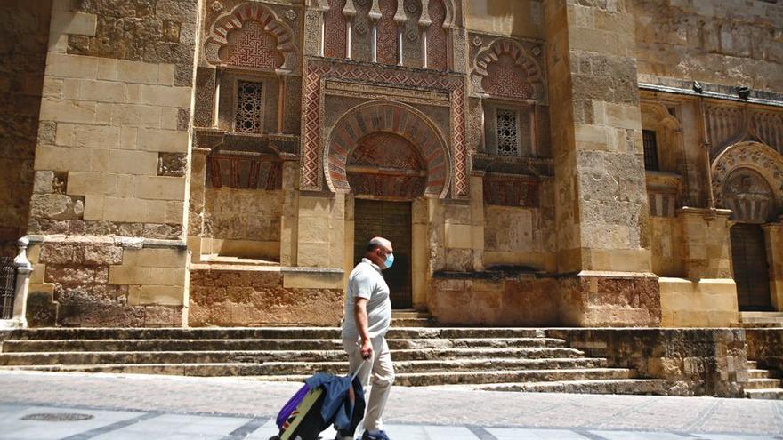 La llegada a Córdoba de turistas alojados en hoteles cae un 84% en dos años