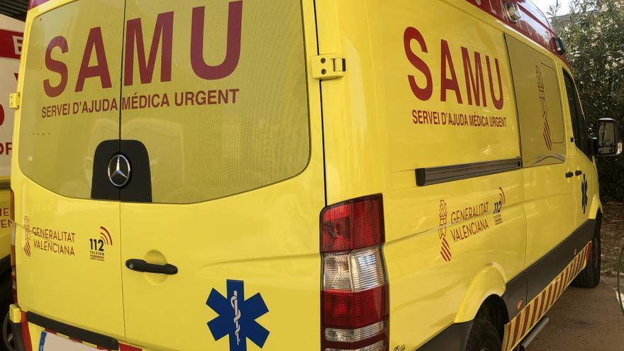 Dos hombres resultan heridos en accidente entre un coche y un camión en l'Alcúdia