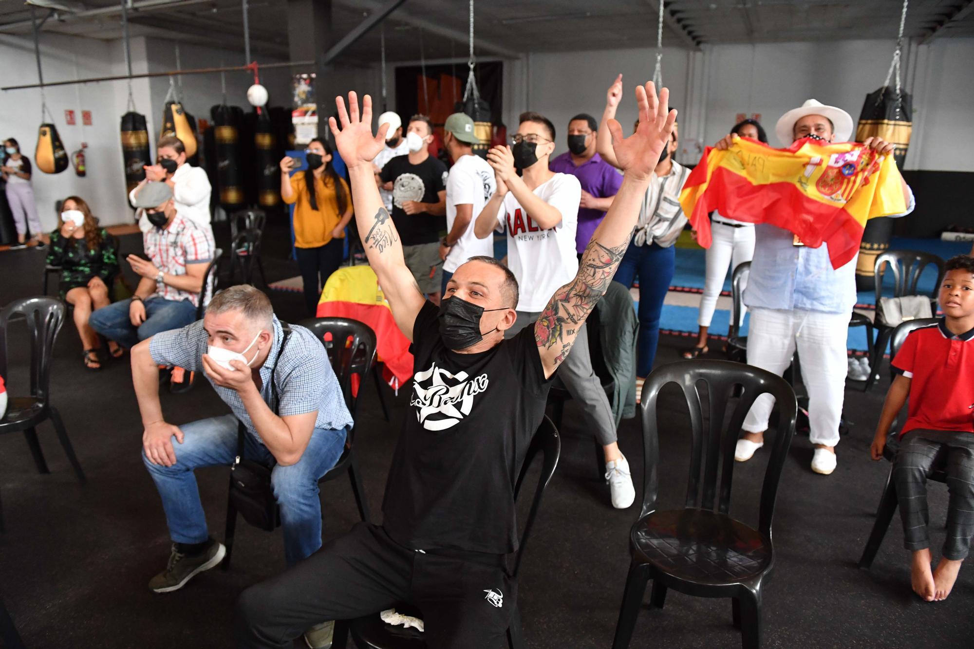Quedada de seguidores de 'El Profeta' para ver su combate en los Juegos Olímpicos