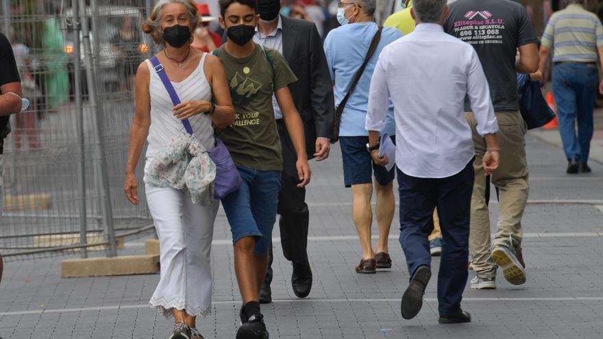 Canarias encadena 26 días con menos de cien contagios diarios de Covid