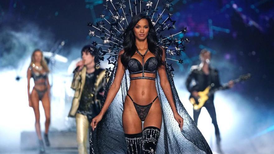 Los ángeles de Victoria's Secret graban su desfile anual