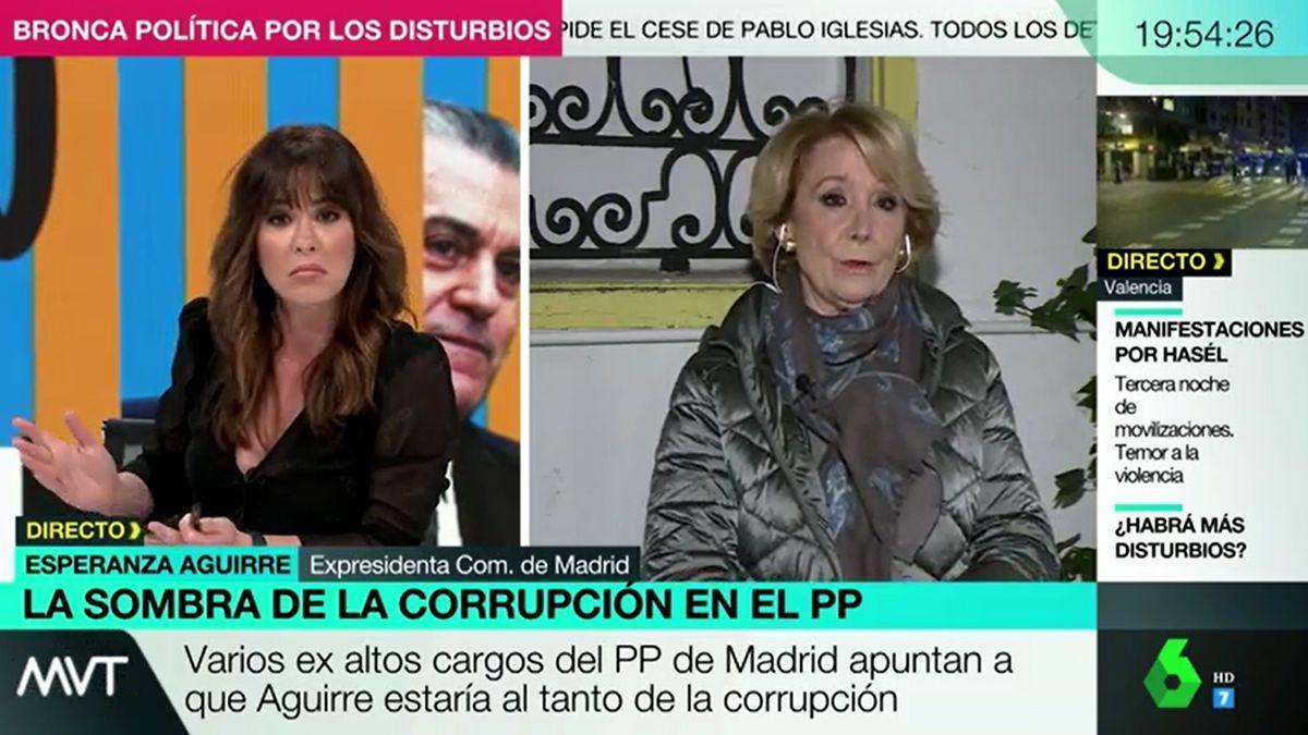 Momento del encontronazo entre la presentadora y Aguirre.