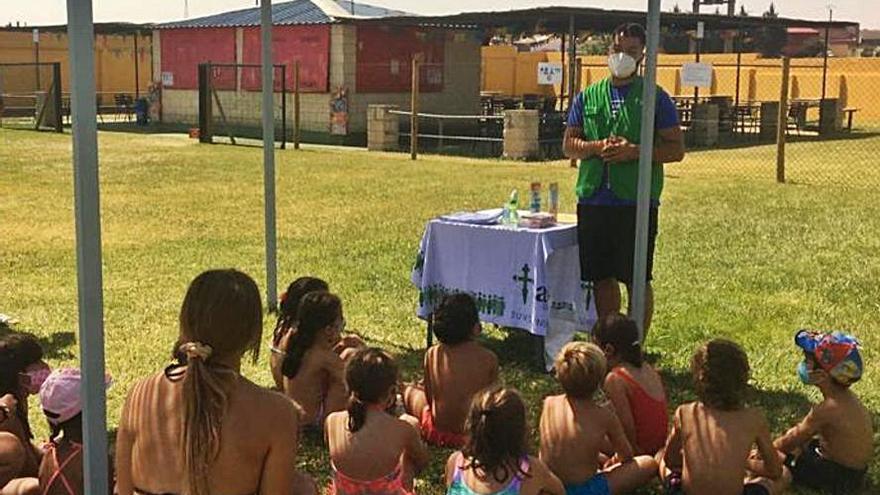 La AECC de Toro alerta a los niños sobre los riesgos del sol