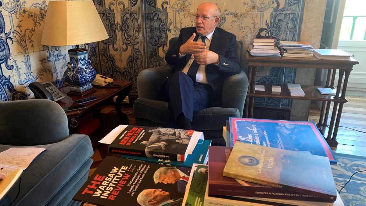 El ministro de Asuntos Exteriores luso durante la entrevista.