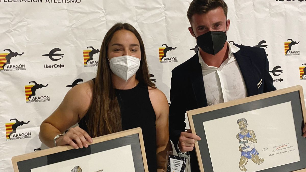 Natalia Sainz y Carlos Mayo, con sus premios.