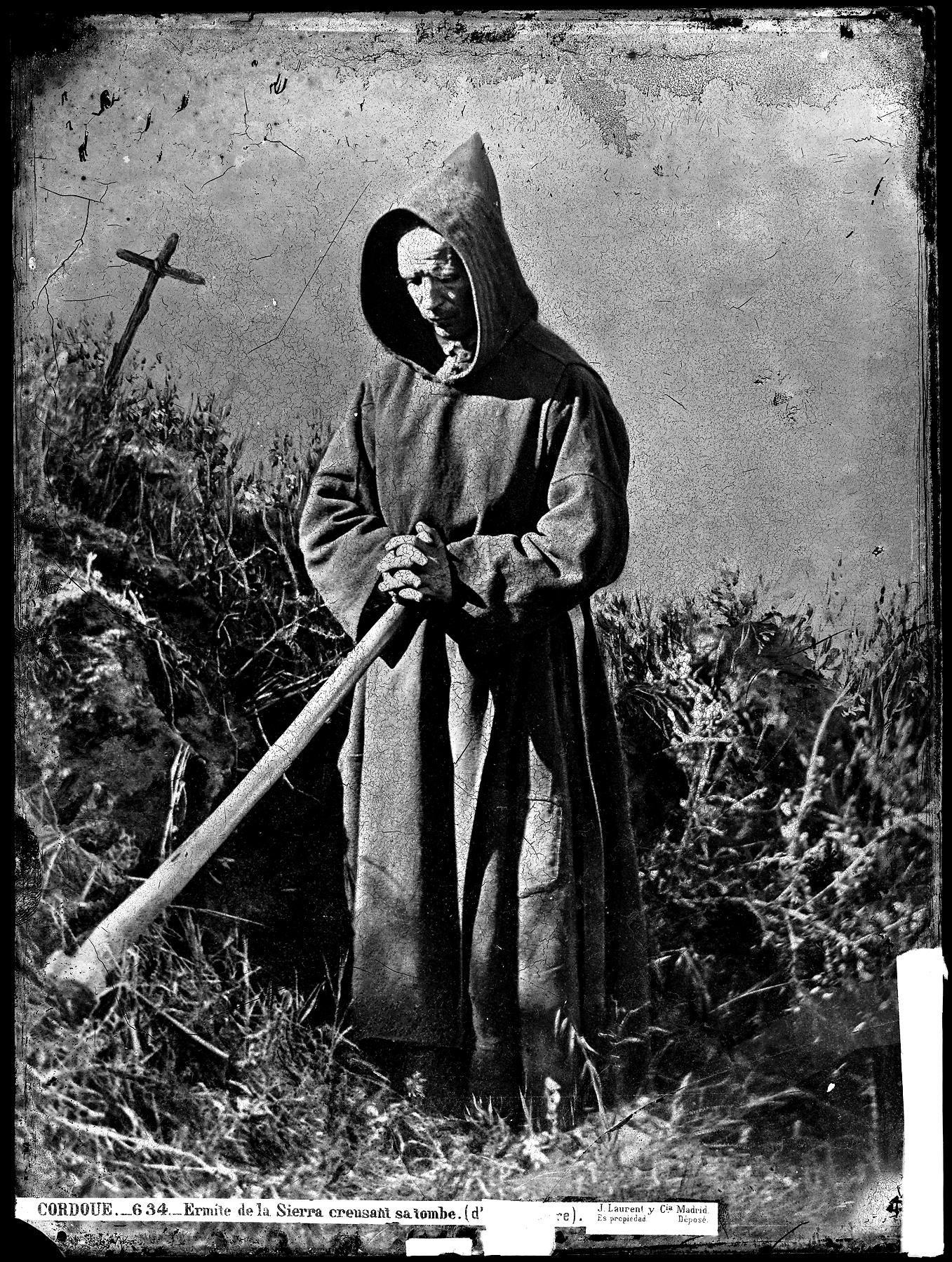 634 C�rdoba ermita�o de la sierra cavanndo su tumba.jpg