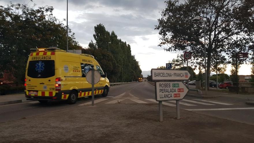 Una furgoneta atropella una dona de 69 anys i un nen de 8 a Figueres
