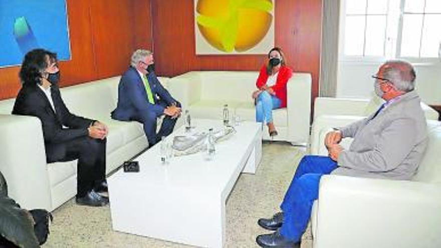 Corujo pide al rector de la ULPGC más centros en la Isla