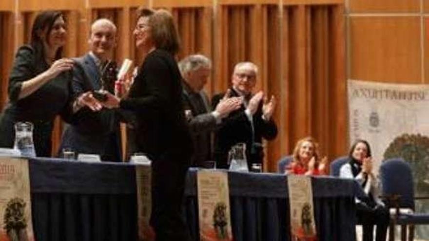 """El Orfeón de Castrillón recibe el premio """"Axuntábense"""""""