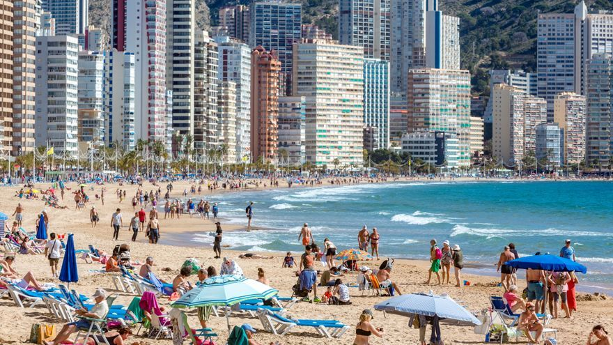 El Consell pide al Gobierno que cree un bono para incentivar los viajes durante el invierno