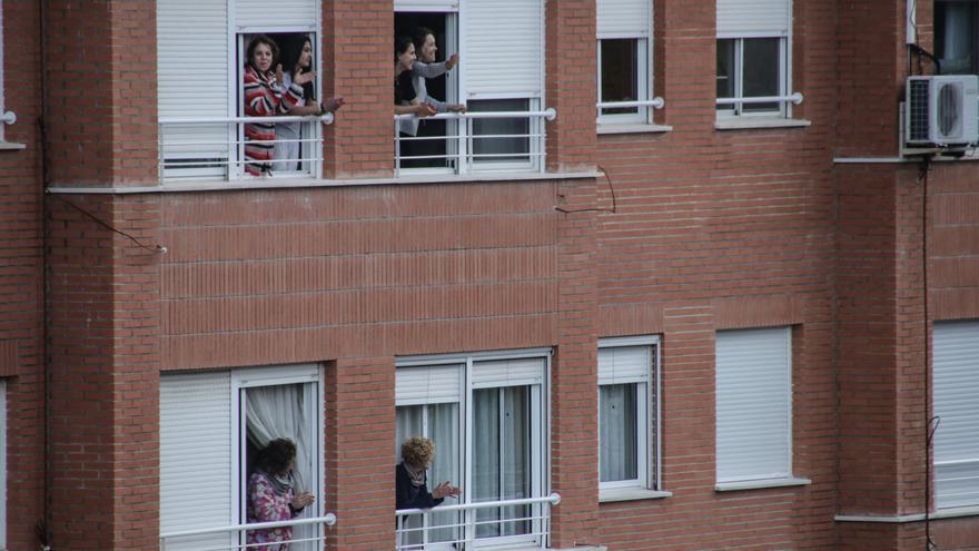 Los administradores de fincas piden cambiar la ley para permitir reuniones vecinales telemáticas
