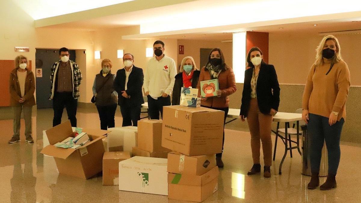 Las farmacias de Pozoblanco donan 15.000 mascarillas a entidades sociales