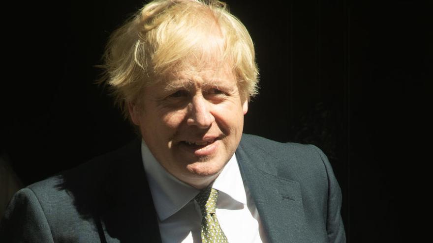 Reino Unido aplicará el lunes medidas de desconfinamiento