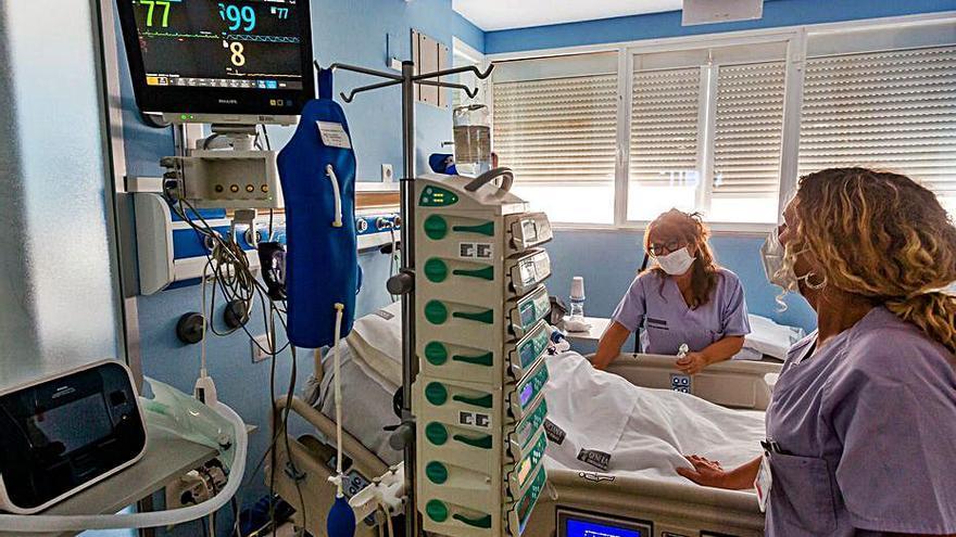 Los hospitalizados bajan del centenar en la Comunidad por primera vez en once meses
