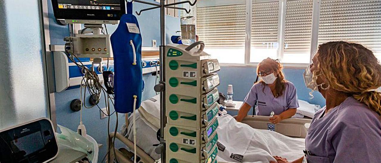 Imagen de la UCI del hospital de La Vila. | DAVID REVENGA