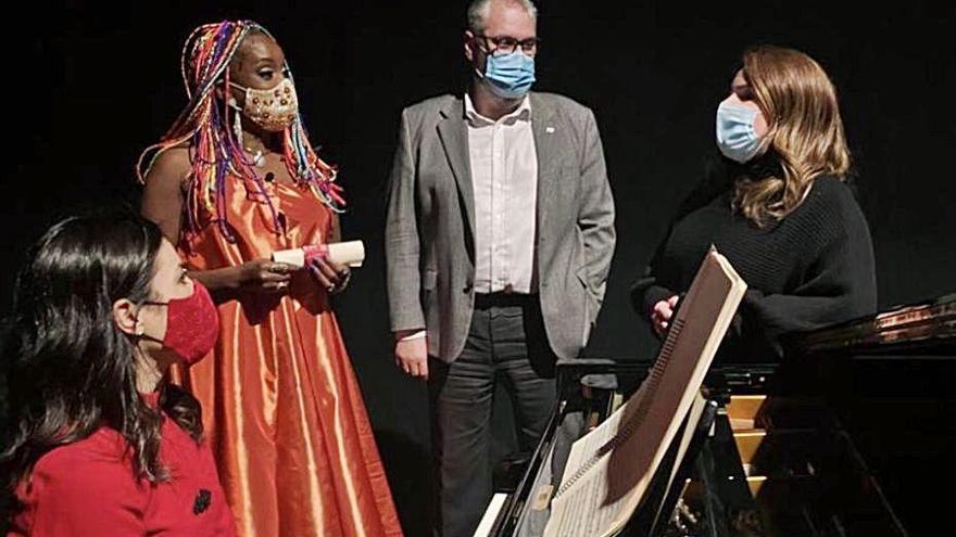 La OSRM y Lucrecia ofrecen a los murcianos 'Un regalo de Navidad'