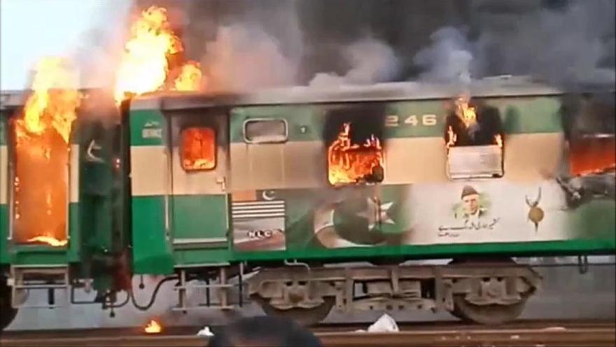 L'explosió d'una bombona de gas en un tren causa almenys 65 morts al Pakistan