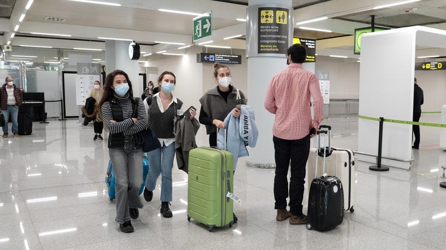 Los precios del transporte aéreo de pasajeros bajan un 8,2% a cierre de 2020