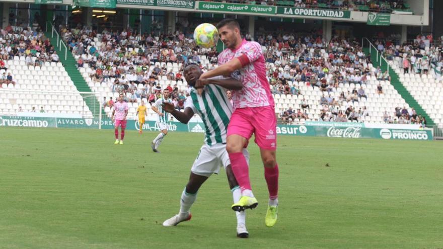 Un Owusu estelar rescata un punto para el Córdoba CF (1-1)