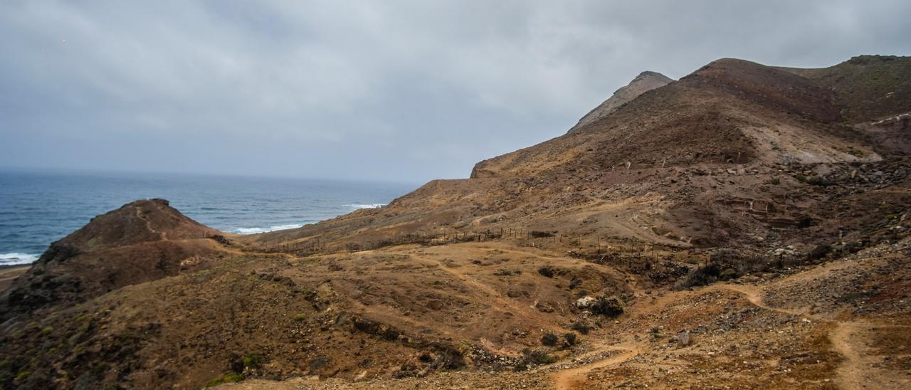 Montaña del Faro, en La Isleta, uno de los enclaves que se encuentran dentro del catálogo de zonas de interés medioambiental municipal.