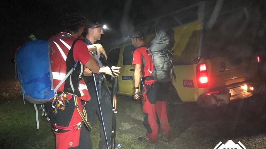 Rescatan a un hombre que se desorientó cuando hacía una ruta de montaña en Peñamellera Alta